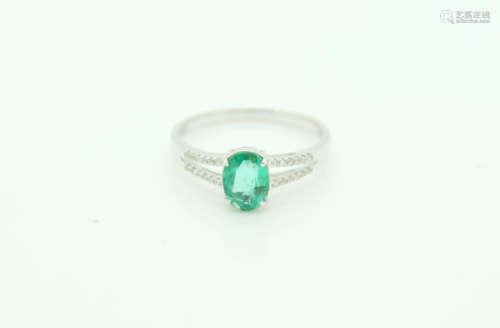 18K金祖母绿戒指