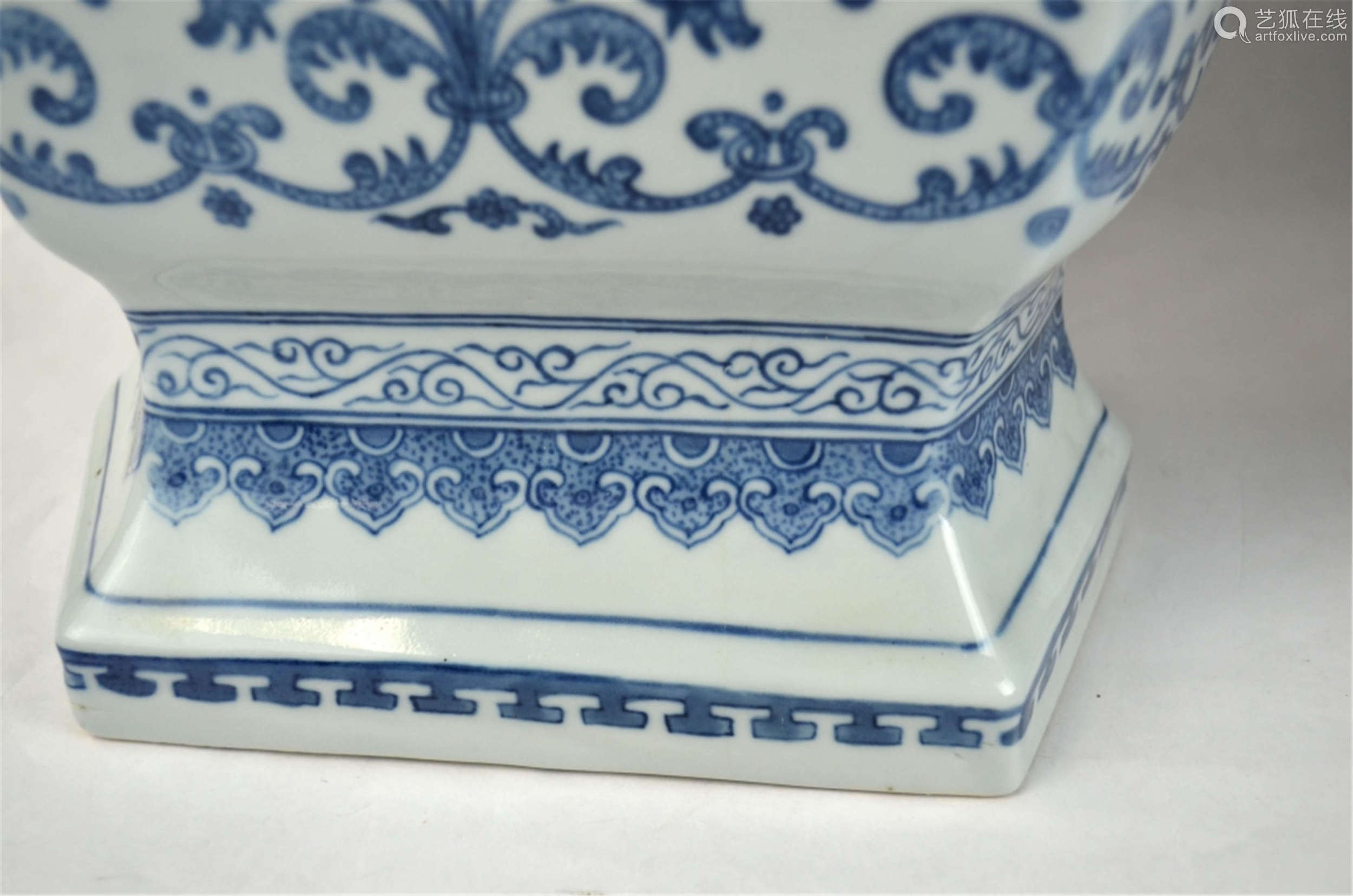 Large Pair Chinese Blue &White Vases