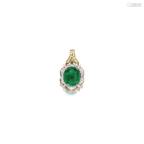 袓母绿配钻石吊坠