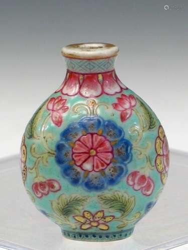 Chinese Enameled Porcelain Snuff Bottle, Qianlong Mark.