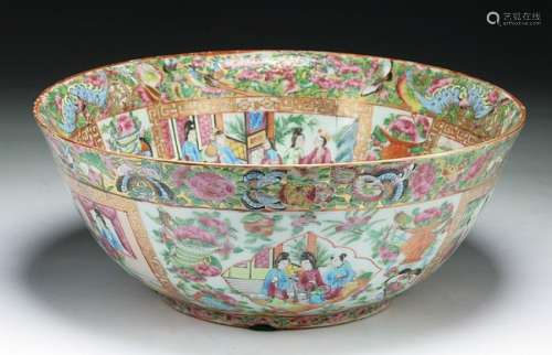 A Big Chinese Antique Qianlong Rose Medallion Porcelain Bowl