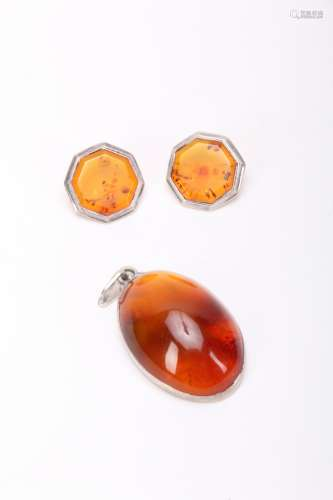 Set of Three Pieces Amber Ear Ring and Pendant