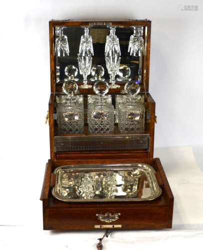 English Liquor Set In Wood Box