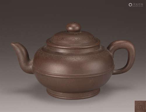 清代(1644-1911) 邵正来 如意云纹紫砂壶