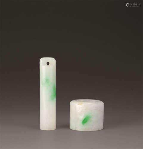 清代(1644-1911) 翡翠翎管 扳指 (二件一组)
