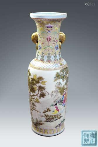 清·粉彩繪人物紋象首耳描金棒槌瓶