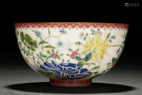 A MAGNIFICENT AND EXTREMELY DELICATE FAMILLE ROSE/ FA LAN CAI DECORATED EGG-SHELL BOWL