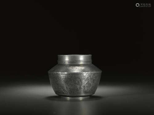 锡质花卉纹茶叶罐