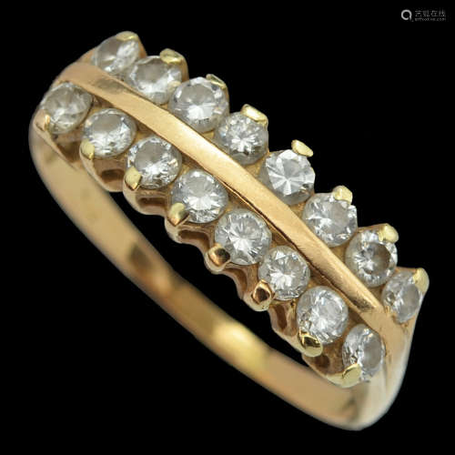 AN 18K GOLD RING