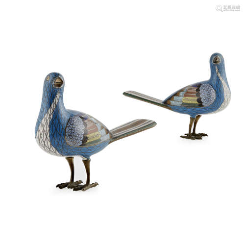 PAIR OF CLOISONNÉ ENAMEL MAGPIES
