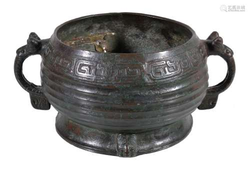 A Chinese archaic style bronze ritual food vessel, Gui
