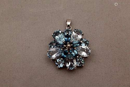 Fine London Blue Topaz Silver Pendant (79P)