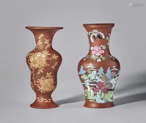 乾隆 彩绘、泥绘壁瓶 (两个)
