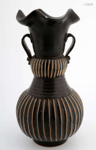 CHINESE BLACK GLAZE PORCELAIN JAR WITH MELON RIDGES
