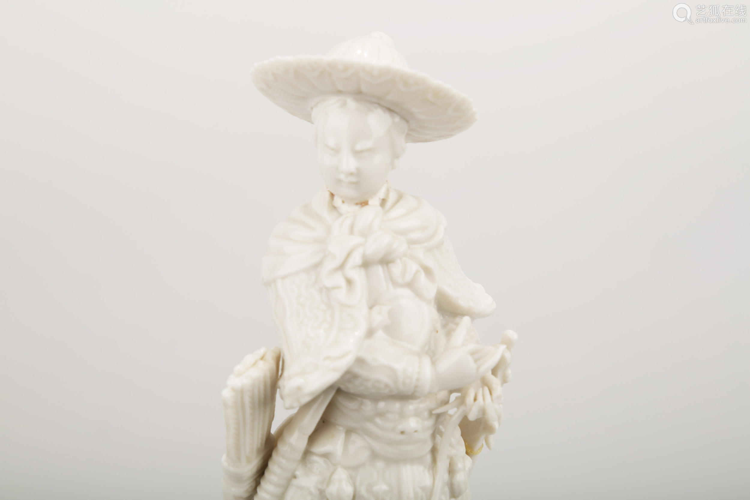 A BLANC DE PORCELAIN TRADITIONAL CHINESE WARRIOR STATUE.C280.