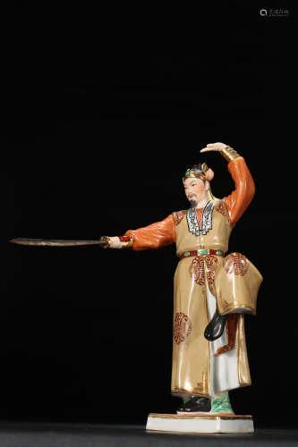 粉彩武官瓷像