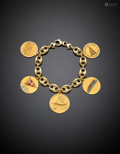 Yellow gold marine chain bracelet with five nautical medal charms, gr 55,70 g 55.65, length cm 21 circa.