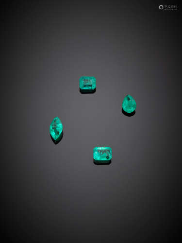 Lot of four octagonal, pear and marquise emeralds, in all ct. 3,77 circa.
