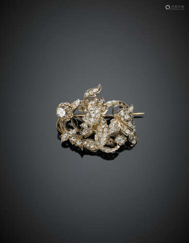 Yellow gold and silver old cut diamond floral brooch, g 16.60, length cm 4.20 circa.