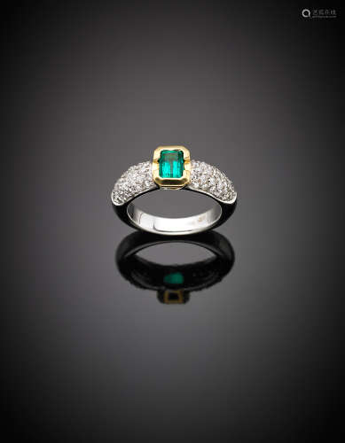 White gold emerald and diamond set ring, g 9.15 size 14/54.