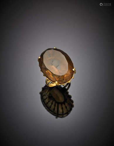 Yellow gold smoky quartz set basket ring, g 16.27 size 16/56.