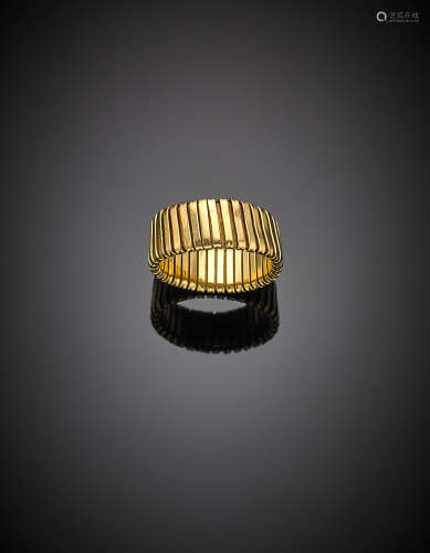 Yellow gold tubogas ring, g 7.32 size 25/65.