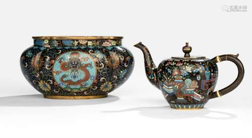 AN UNUSUAL CLOISONNÉ ENAMEL TEAPOT AND COVER AND A CACHEPOT, China, 19th ct. - Property from an old German private collection, since mor than 80 years belonging to the same family - Few very small losses to enamel
