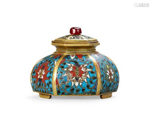 16世纪 铜胎掐丝珐琅西番莲纹六方水盂
