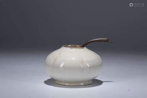 定窑水盂(带勺)