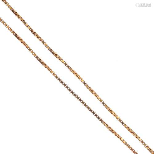 A necklace. The box-link chain, with spring ring clasp. Italian marks. Length 60cms. Weight 13.5gms.