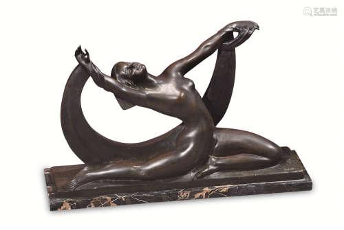 20世纪 铜塑少女