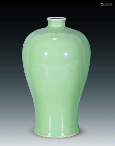 清 粉青梅瓶