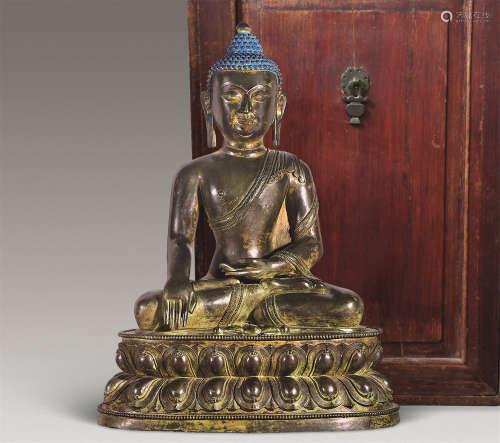 清 青铜释迦摩尼坐像