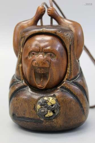 Japanese carved wood tobacco box daruma tonkotsu, 19th