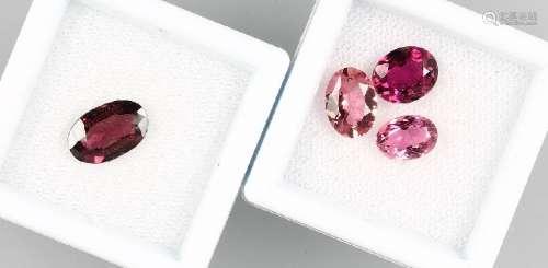 Lot 4 loose coloured stones