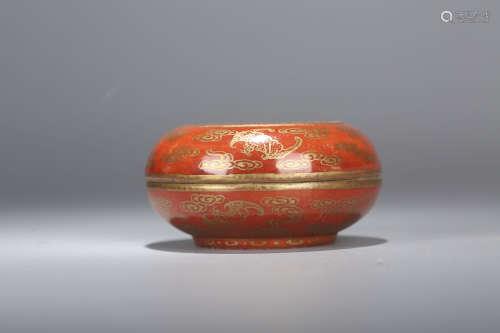 珊瑚釉描金福寿纹印泥盒