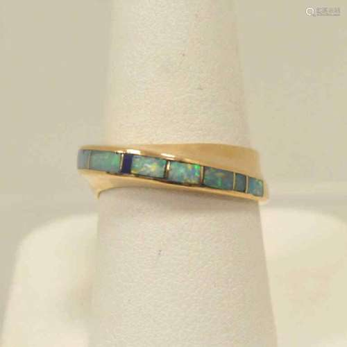 14kt yellow gold opal inlay ring