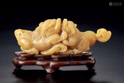 清 壽山石雕雙獅嬉戲擺件