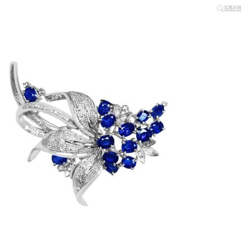 18K 1950'S NATURAL DIAMOND AND SAPPHIRE PIN