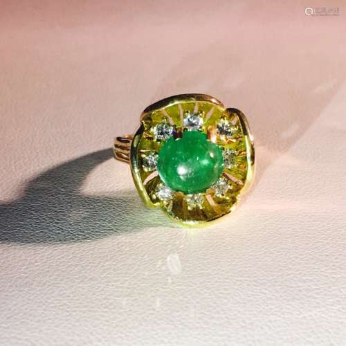Vintage 18K Yellow Gold Diamond And Emerald Ring