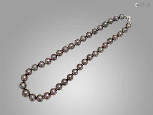 黑珍珠頸鍊配18K白金扣