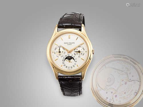 百達翡麗 18K金自動萬年曆月相二十四小時顯示透視背皮帶腕錶