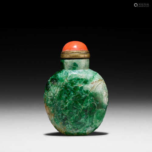 1800-1850 A JADEITE 'FIVE BLESSINGS' SNUFF BOTTLE