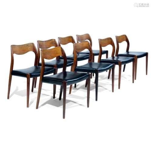 NIELS OTTO MØLLER (1920-1981) & ARNE HOVMAND OLSEN (ÉDITEUR) Suite de huit chaises, circa 1960, en palissandre et placage de palis...
