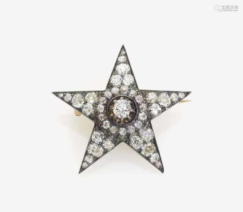 Sternförmige Brosche mit Diamanten
