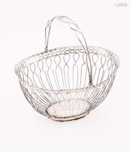 A small bread basket