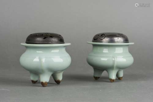 A PAIR OF SONG STYLE CELADON CENSERS, 19TH CENTURY
