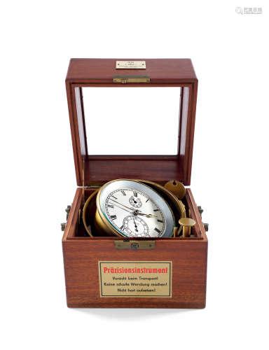 格拉苏蒂 桃花心木航海天文钟备动力储存显示及小秒针,年份约1950
