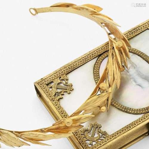 XIXème SIÈCLE ORNEMENT DE COIFFURE A XIXth century gold tiara.