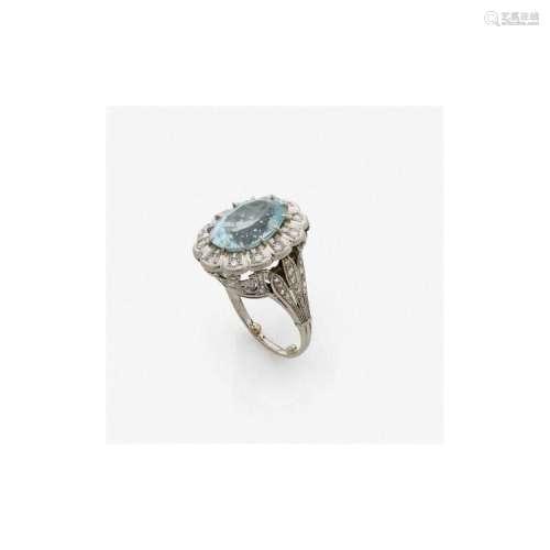 ANNÉES 1910 BAGUE AIGUE-MARINE n aquamarine, diamond and platinum ring, circa 1910.
